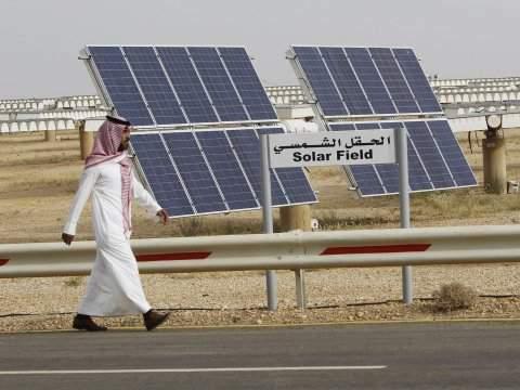 arabia saudyjska baterie słoneczne OZE ropa gaz