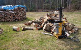 3 powody, dla których warto zainwestować w dobrą łuparkę do drewna