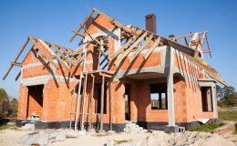 Technologie wznoszenia ścian murowanych w projektach domów