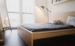 Łóżka do sypialni drewniane, czyli jak stworzyć ponadczasową aranżację sypialni?